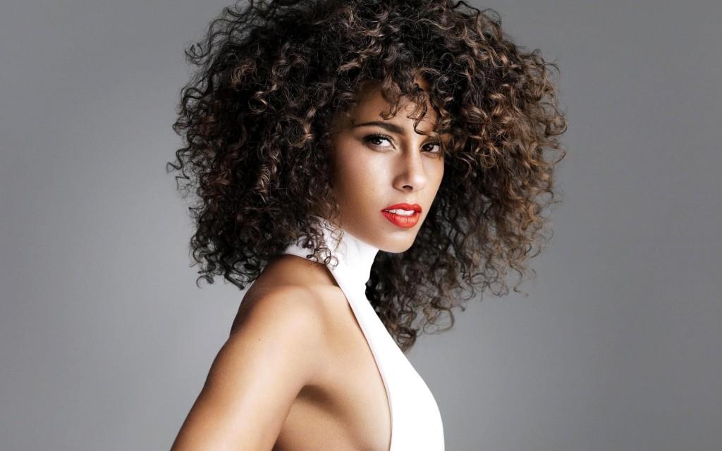 alicia-keys-curly-hair-zikoko