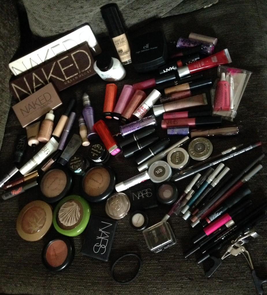 makeup-bag-925x1024