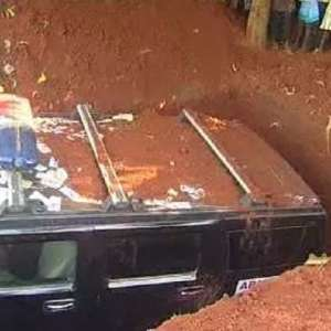 Or this Anambra man that buried his mother in an actual Hummer Jeep.