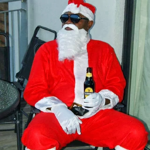 9 Hilarious Pictures That Prove Santa Claus And Father Christmas Are Not The Same Zikoko