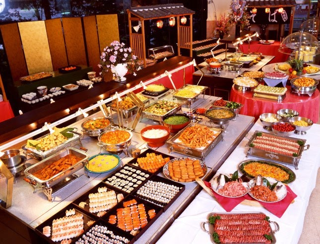 You're invited to a buffet. What kind of attendee are you?
